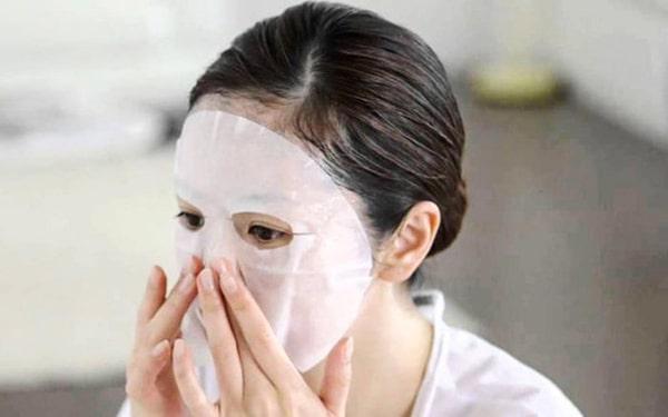 Phụ nữ 30 tuổi nên đắp mặt nạ chăm sóc da