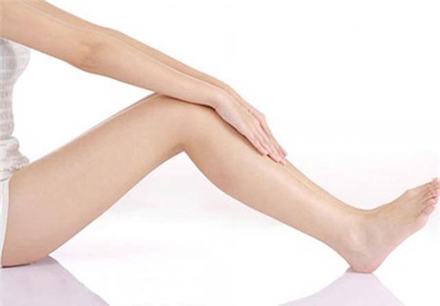 Làm trắng da tay và chân hiệu quả như ở spa