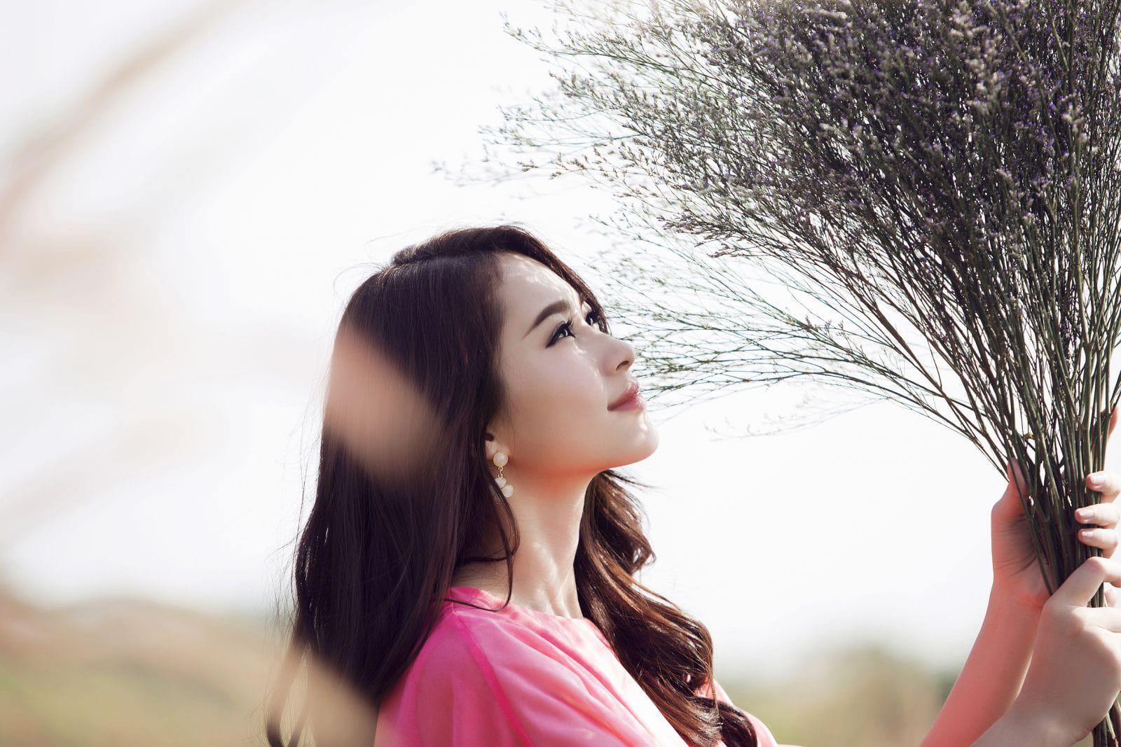 Phụ nữ trở nên tự tin hơn khi có một làn da đẹp mịn màng