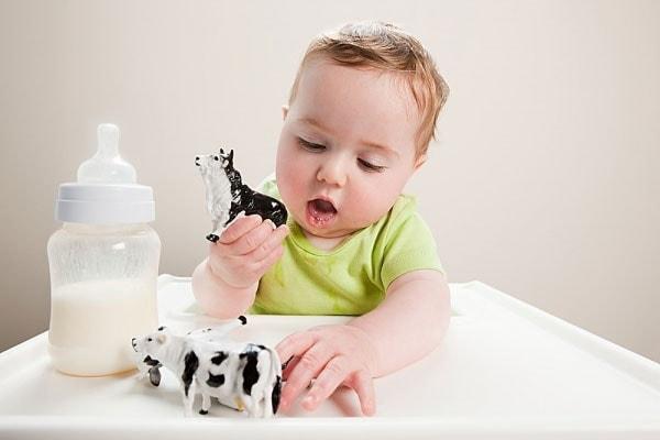 Giai đoạn từ 1 đến 3 tuổi trẻ bắt đầu biết tiếp thu, suy nghĩ