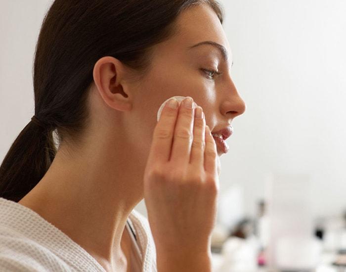 Tẩy trang cho da mặt thế nào là đúng cách?