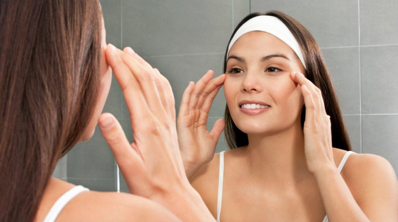 Massage không chỉ giúp làn da được cải thiện mà còn giúp bạn giảm stress sau nhiều ngày mệt mỏi chăm sóc con