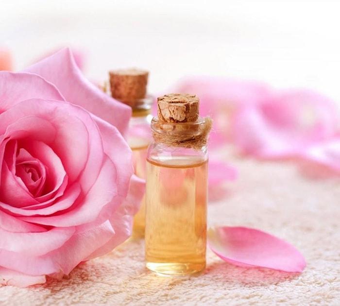 Nước hoa hồng làm sạch sâu, cấp ẩm, se khít lỗ chân lông